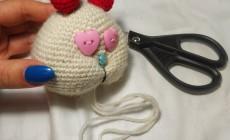 Инструкция, как сделать утяжку мордочки вязаной игрушки
