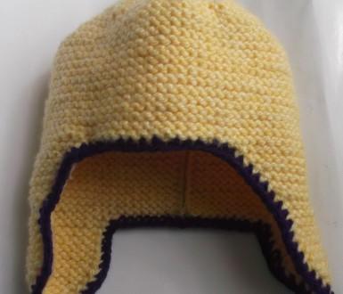 Как связать шапку-шлем спицами?
