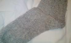 Как связать носки от мыска спицами?