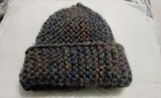 Как делается шапка из толстой пряжи?