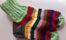 Как быстро и красиво связать носки спицами?
