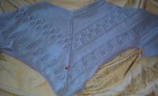 Как вяжется ажурный пуловер спицами?