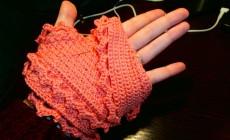 Как связать перчатки крючком?