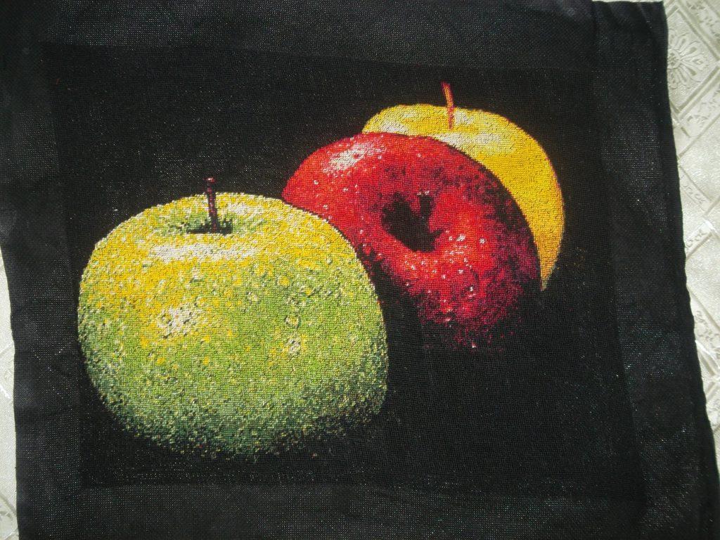 Пример вышивки полукрестом в 4 нити