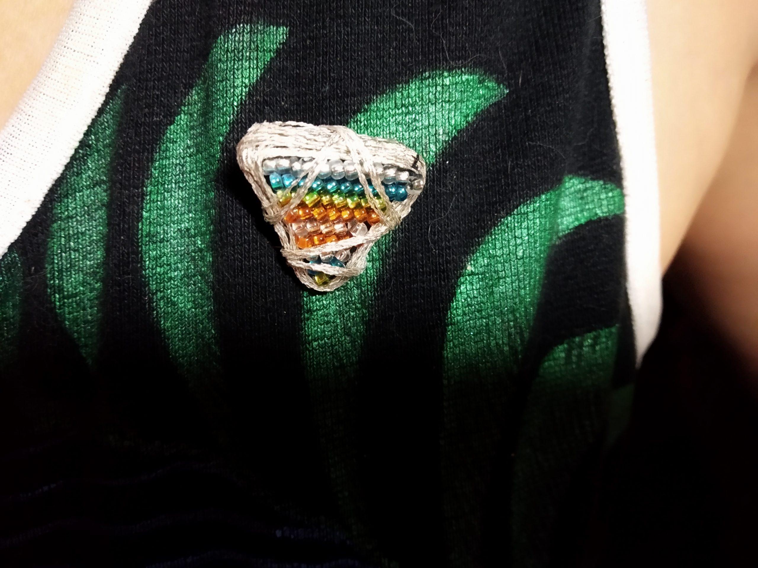 Вышивка бисером броши