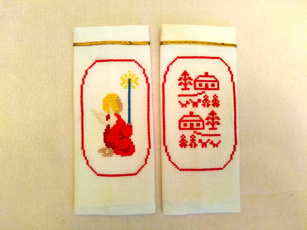 Вышивка на чехле для приборов