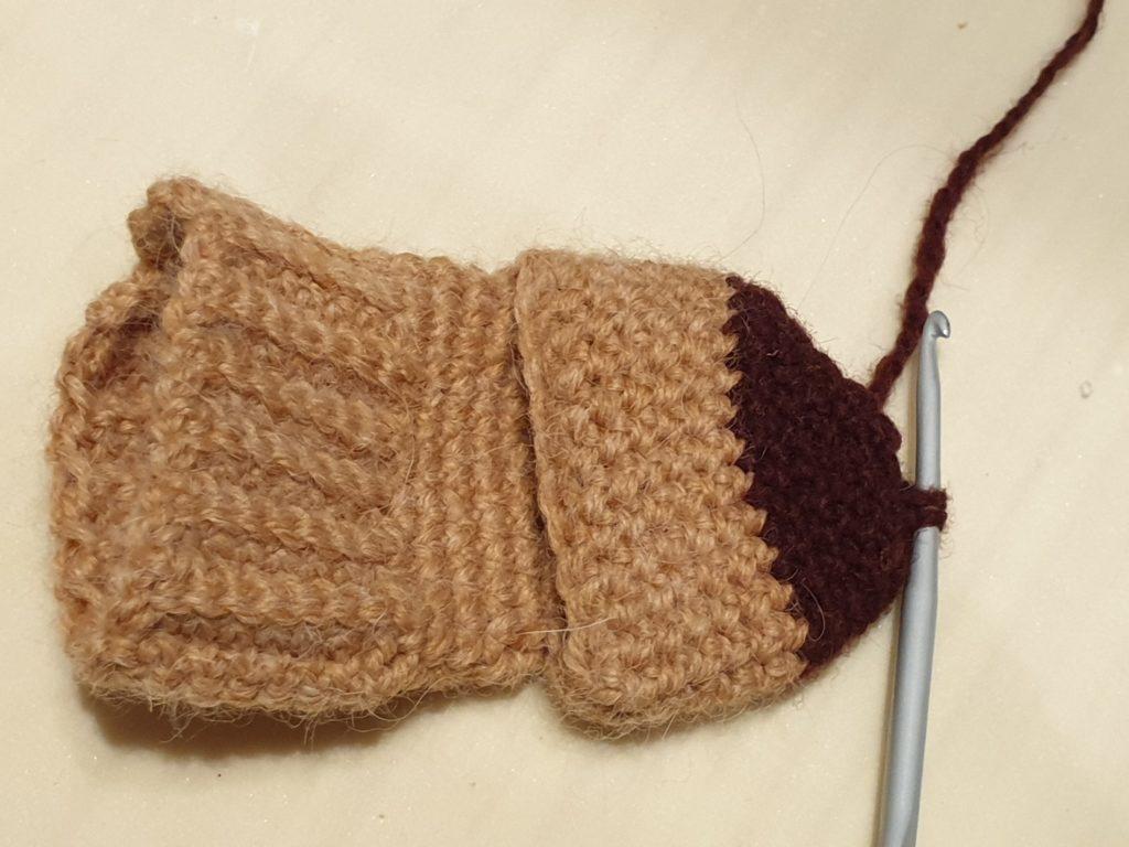 Как связать крючком носочки для новорожденных?