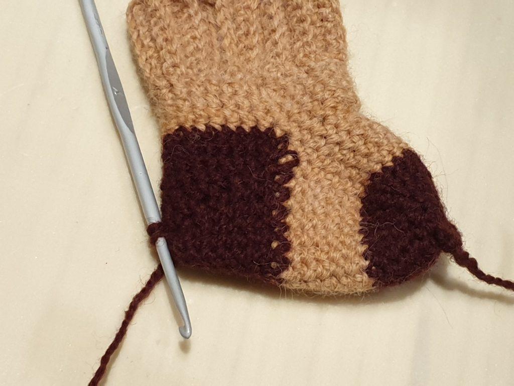 готовый носочек для новорожденных