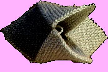 Как делаются тапочки из квадратов спицами?