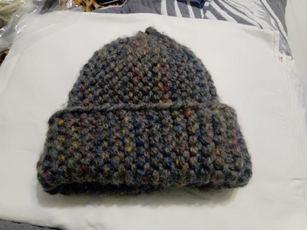шапка из толстой пряжи