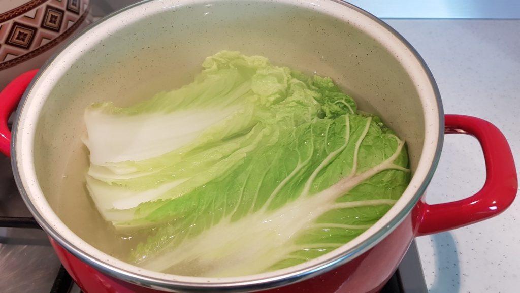 Как готовить голубцы с пекинской капустой?