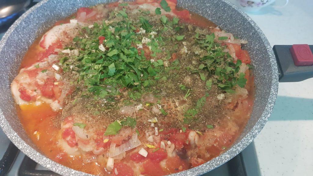 Как готовить чахохбили из курицы?