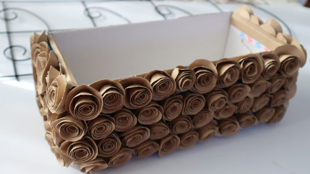Реальная красотень за 99 рублей. Подставка для цветов из Фикс Прайса может превратиться в прелестный весенний декор