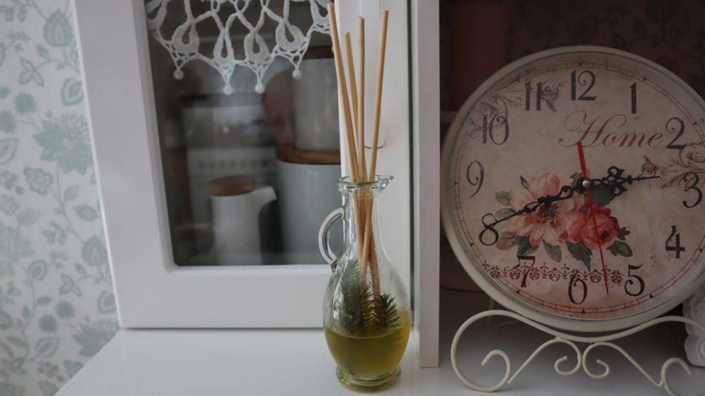 Натуральный аромат для создания уюта в доме делаю сама. За свежесть жилого помещения теперь спокойна