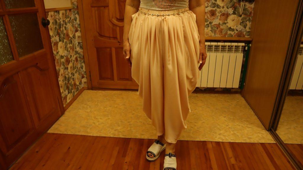 Сшила необычные и оригинальные брюки с драпировкой. Таких точно нет ни у кого
