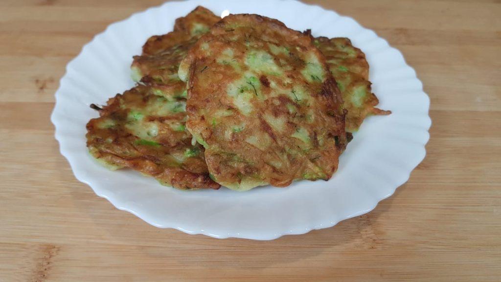 Как готовить оладьи из кабачков?