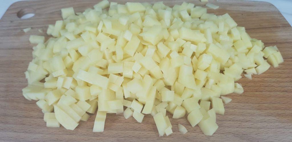 Картофельная запеканка с фаршем на сковороде